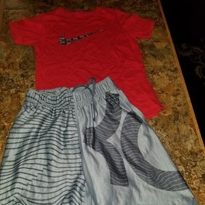 Nike Dri-Fit Outfit/Boys 8
